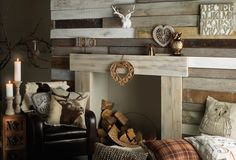 Love the little woodland accents for a living room. Looks nice & cozy like a log cabin