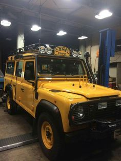 Land Rover Defender 110 Td5 Sw Camel Trophy. Nice yellow