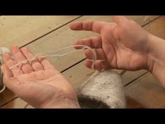 Free Video Tip: How To Join Yarn Ends, With Ragga Eiríksdóttir. Click: http://www.craftsy.com/ext/Pin_BP3_20121104