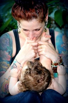 sweet photo of mother and child ~ son ~ daughter ~ at-home photography session ~ outdoor pics with natural light / lighting ~ candid shoot ideas ~ tattoo ~ mom ~ mommy ~ cute baby ~ love ~ april allen P H O T O G R A P H Y ~ Chesapeake VA ~ Hampton Roads photographer