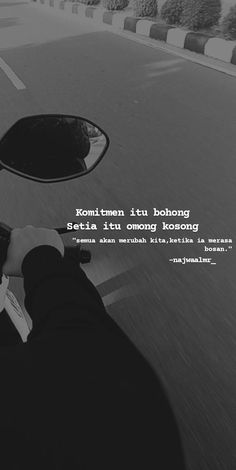 Quotes Rindu, Story Quotes, Text Quotes, Crush Quotes, People Quotes, Mood Quotes, November Quotes, Cinta Quotes, Quotes Galau