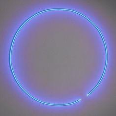 Stephen Antonakos (c.1974), Neon tube (cobalt blue)