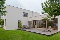 Comfortable Rectangular Home in the Idyllic Country of Austria #architecture