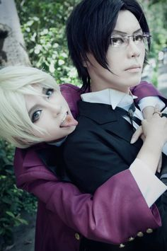 I think Claude looks a bit like Kyoya Ootori from Ouran Highschool Host Club here... But it's still amazing