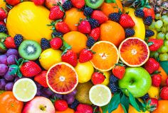 Add Nutrition To Your Diet With These Helpful Tips. Nutrition is full of many different types of foods, diets, supplements and Mixed Fruit, Fresh Fruit, Frutas Low Carb, Food Wallpaper, Wallpaper Wallpapers, Iphone 7 Wallpaper Backgrounds, Grape Wallpaper, Full Hd Wallpaper Android, Moving Wallpapers