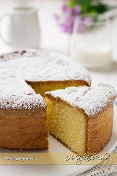 Questa torta paradiso soffice, leggera, delicata è ideale per ogni occasione. Un classico senza tempo che non deve mai mancare in un libro di ricette.
