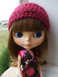 Q.D. Patooties: Simple Crocheted Winter Cap for Blythe (a.k.a. FREE Pattern!)