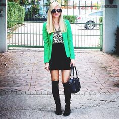 Erika Thomas - Blah Blah Blonde - knee high boots for fall *my all grown up outfit Thigh High Socks, Knee High Boots, Jessica Day, Green Blazer, Winter Wear, Erika, Style Icons, Blazers, Autumn Fashion