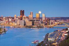 ✯ Moon over Pittsburgh