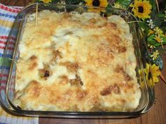 Spinach and chicken casserole in a creamy sauce is topped with mozzarella cheese creating an easy meal to prepare for busy weeknights. Chicken Casserole, Casserole Dishes, Cheesy Recipes, Chicken Recipes, Weeknight Meals, Easy Meals, Creamy Sauce, Chicken Seasoning, Macaroni And Cheese
