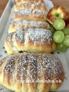 Jablková nutelo-rolka – moje malé veľké radosti Hot Dog Buns, Hot Dogs, Toast, Bread, Food And Drink, Desserts, Recipes, Basket, Tailgate Desserts