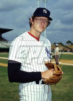 Ron Davis, his son Ike played for the Mets Damn Yankees, New York Yankees, Equipo Milwaukee Brewers, Mlb Players, Mickey Mantle, Derek Jeter, Baseball Cards, Sports, Legends