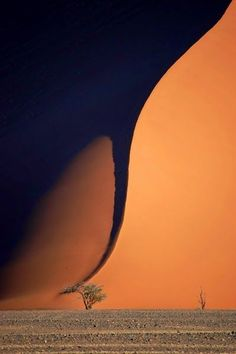 Update: This was labeled as a tornado, but other pinners say it& actually shadow on a sand dune. Tornado in Namibia. Several photos All Nature, Science And Nature, Amazing Nature, Images Cools, Fuerza Natural, Cool Pictures, Cool Photos, Images Photos, Nature Pictures