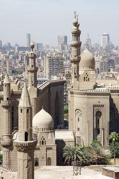 Madrasa du Sultan Hasan et la mosquée Ar Rifa'i, Citadelle, Le Caire, Égypte (Madrasa of Sultan Hasan and Ar Rifa'i mosque, Citadel, Cairo, Egypt) by Seb & Jen