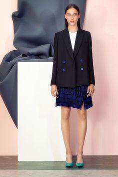 Get inspired and discover Proenza Schouler trunkshow! Shop the latest Proenza Schouler collection at Moda Operandi. Resort 2015, Good Looking Women, Fashion Show, Fashion Design, Women's Fashion, Review Fashion, Modern Fashion, Runway Fashion, Fashion Trends