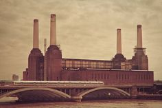 The Battersea Power Station is an iconic 1930s building in South London, best known for gracing the cover of Pink Floyd's album, Animals.TITLE: AnimalsSIZE: See Drop Down MenuThis fine art photograph is printed by a professional lab on premium luster paper, which will maintain its radiant colors and lovely finish for a lifetime. It will be shipped in sturdy, moisture resistant packaging, and will be hand signed by me. This is an original open edition print, shot and edited by me, Keri Bevan. I a South London, Old London, London Art, London Pride, London Photography, Animal Photography, Travel Photography, Battersea Power Station, Art Deco Stil