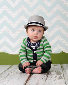 k hermoso, ahora a buscar el trajesito para mi goldito.   Carissa Miss: baby boy fashion round up