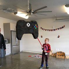 Birthday Pinata, 10th Birthday Parties, Birthday Games, Birthday Party Decorations, Boy Birthday, Video Game Party, Party Games, Halo Party, Xbox Party