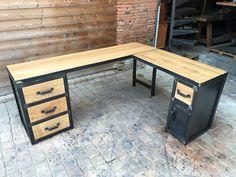 bureau d'angle industriel sur mesure bis métal Metal Furniture, Home Furniture, Furniture Design, Tv Banco, Cool Tables, Office Table, Home Room Design, Diy Desk, House Rooms