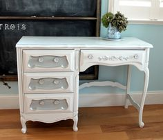 """The Little French Desk that was kicked to the curb - How to """"Redoux"""""""