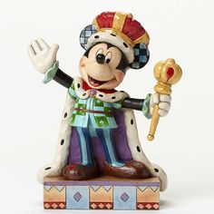 Mickey Mouse 'King For A Day' figurine (Jim Shore) from our Jim Shore Disney Traditions collection Disney Magic, Disney Mickey, Disney Pixar, Walt Disney, Disney Characters, Disney Home, Disney Art, Figurine Disney, Minnie Mouse