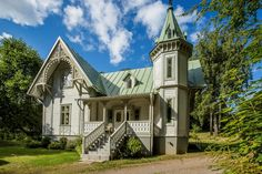 Svenska Egendomsmäklarna Jord och Skog HB Fantasy House, Small Buildings, Swedish House, Gothic House, House Built, Classic House, House Floor Plans, Victorian Homes, Dream Properties