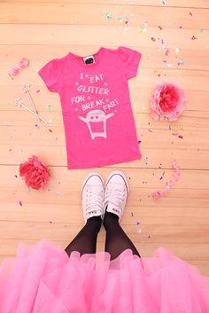 tutu... chucks... gagamu tshirt... what a nice combination for a teenage girl! Glitter, glamour, pink!