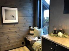 Lun hytte i Sogndal - Vyrk Flat Screen, Cabin, Home, Blood Plasma, House, Ad Home, Homes, Cottage, Wooden Houses