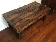 Use Pallet Wood Projects to Create Unique Home Decor Items – Hobby Is My Life Pallet Chair, Diy Pallet Furniture, Steel Furniture, Diy Pallet Projects, Wood Projects, Pallet Ideas, Wood Ideas, Furniture Ideas, Pallet Benches