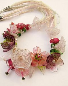 Romantic Lampwork Spring Floral Necklace Pink by silviaizkovich Fabric Flower Necklace, Floral Necklace, Fabric Jewelry, Glass Necklace, Pinterest Diy Crafts, Handmade Wire Jewelry, Spring Bouquet, Blooming Rose, Unique Necklaces