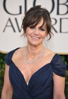 Loved Sally Field's look at the #GoldenGlobes -- couldn't tell she played an old lady in Lincoln.