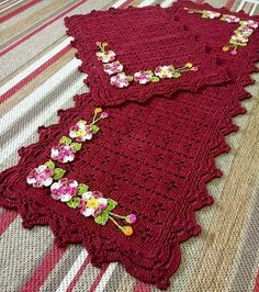 Crochet Kitchen Rug: Sets of Rugs and Walkthroughs Crochet Kitchen, Crochet Home, Love Crochet, Crochet Shawl, Crochet Doilies, Crochet Flowers, Kitchen Rug, Doily Patterns, Crochet Patterns