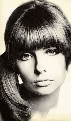 fuckyeah60shair:  Chrissie Shrimpton rocks the side ponytail waaay before the 80s had a stab at it.