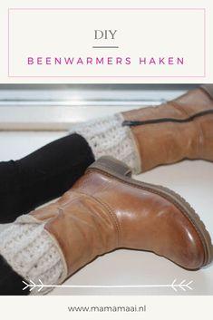 DIY lekkere warme beenwarmers haken met een gratis Nederlands haakpatroon. Makkelijk en snel haak project Chelsea Boots, Diys, Ankle, Crochet, Blog, Shoes, Fashion, Moda, Zapatos