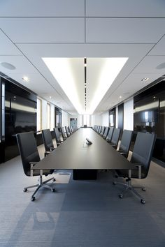 In-tensive table (design Jouni Leino) and Basso chairs (design Harri Korhonen).