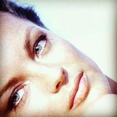Gros plan sur ses yeux et son regard ... Romy's eyes!