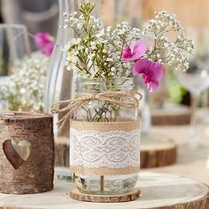 Deko-Glas Vintage mit Jute und Spitze, x 12 cm This romantic and rustic decorated decorative glass is perfect as a centerpiece for the table decoration! Also wonderful to use as decoration after the wedding. Jar Centerpieces, Vases Decor, Wedding Centerpieces, Wedding Jars, Wedding Table, Rustic Wedding, Deco Table Champetre, Bohemian Party, Country Wedding Decorations