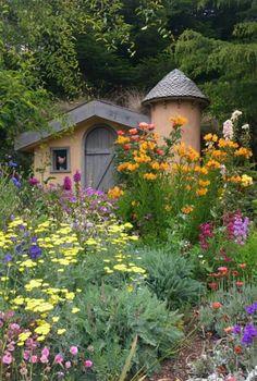 Beautiful Flowers Garden, Beautiful Gardens, Fairytale Cottage, Garden  Pots, Garden Ideas,