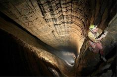 Le gouffre de Krubera est la cavité naturelle la plus profonde connue. - SCMB Images