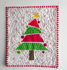 the confused quilter: A Little Mug Rug and That's IT!