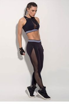 Spice up the gym scene by bringing back the fishnet legging look in a practical and useful style that is great for working out while also making a splash! Fishnet Leggings, Black Leggings, Cheap Leggings, Workout Attire, Workout Wear, Fat Workout, Dance Outfits, Sport Outfits, Athleisure