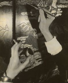Blue Black Dream  François Kollar, The hands of Coco Chanel, 1938