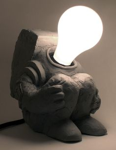 cute! Astronaut clay lamp : ) (projects, crafts, DIY, do it yourself, interior design, home decor, fun, creative, uses, use, ideas, inspiration, 3R's, reduce, reuse, recycle, used, upcycle, repurpose, handmade, homemade, old socket)