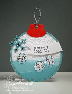 Round Ornament Card..another reason to take out the Cricut