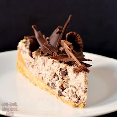 No bake chocolate cheesecake    Ingredients  300g digestive biscuits  150g unsalted butter, melted  350g fresh low-fat ricotta  250g mascarpone, at room temperature  1/3 cup (50g) icing (confectioner's) sugar, sifted  1 tsp vanilla extract  ¼ cup (60 ml) coffee or chocolate liqueur  150g dark chocolate, finely chopped  100g dark chocolate, extra