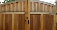 50 Spectacular Wooden Gate Design Ideas for the Safety of Your Home