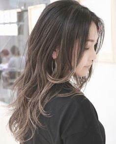 Hairstyles Ideas For A Tapered Or Degraded Look Medium Hair Styles, Short Hair Styles, Balayage Long Hair, Pretty Hair Color, Hair Issues, Hair Arrange, Pastel Hair, Long Hair Cuts, Stylish Hair