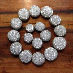 https://flic.kr/p/nfAYLy | Mandala of Mandala Painted Pebbles | www.magamerlina.com/2014/05/from-beach-to-my-desk.html