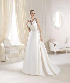 La Sposa IOLANNE - Ellie's Bridal Boutique (Alexandria, VA) - with added sleeves