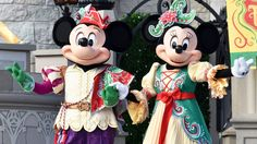 Mickey & Minnie performing in Mickey's Royal Friendship Faire